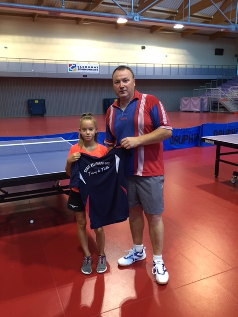 justine-dedit-signe-au-stade-clermontois-tennis-de-table 1