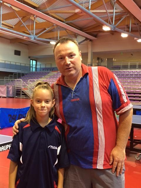 justine-dedit-signe-au-stade-clermontois-tennis-de-table 2